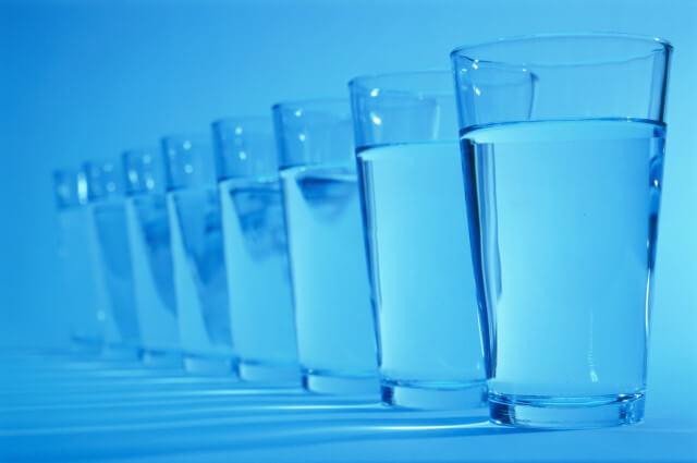 Вода в жизни человека и организме: функции, влияние