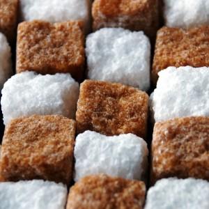 Разница коричневого и белого сахара
