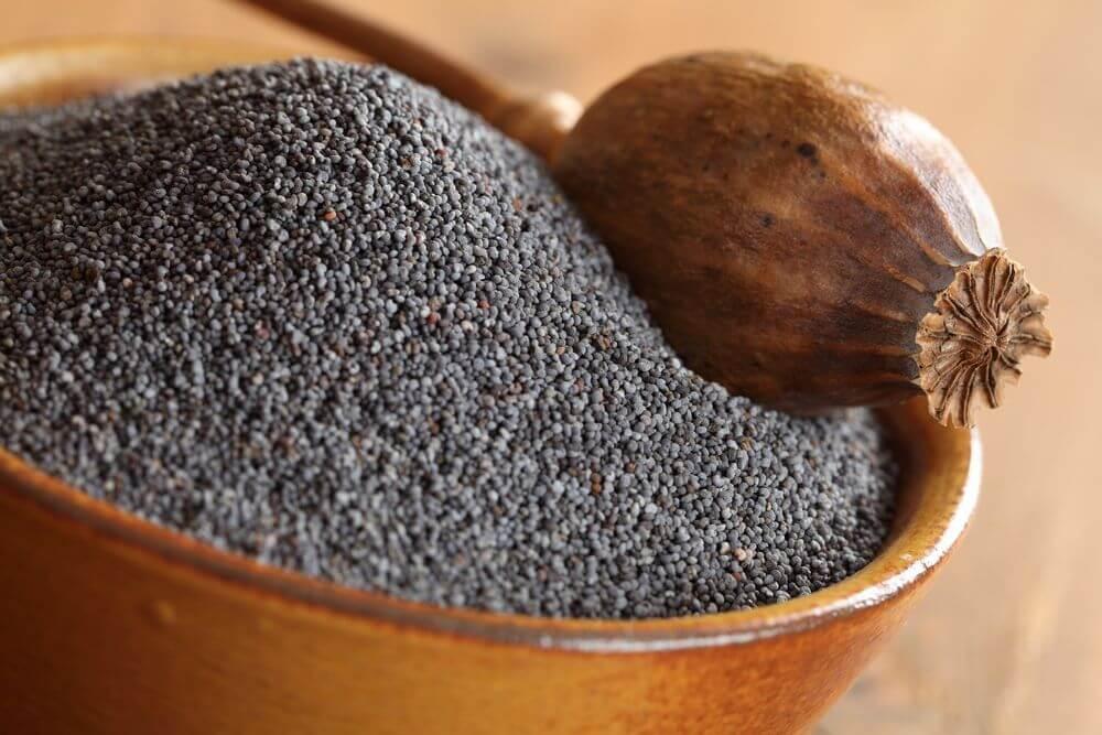 Маковые семена: польза и вред