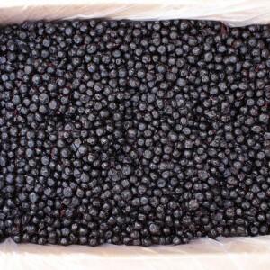 Как правильно выбирать и хранить черноплодную рябину