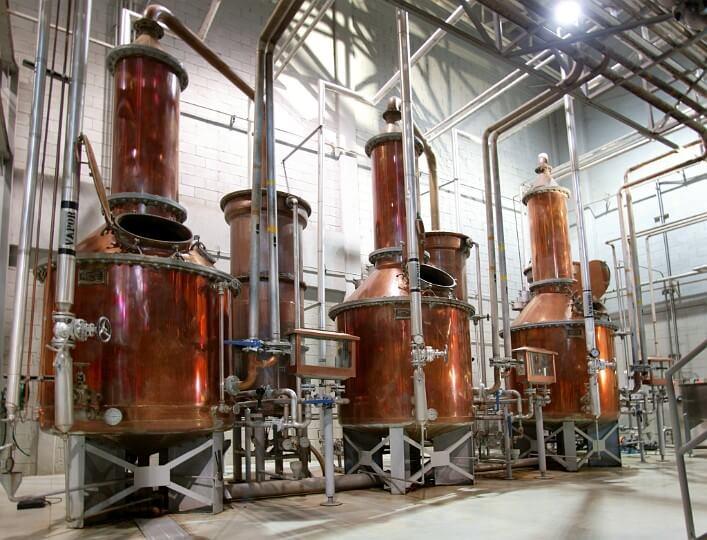 Перегонка жидкости в производстве текилы