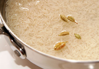 Рис с кардамоном