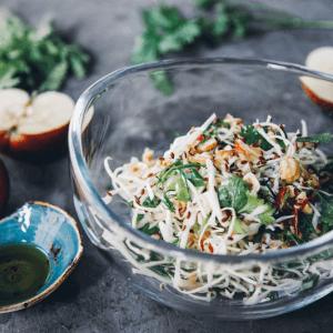Салат с лесным орехом