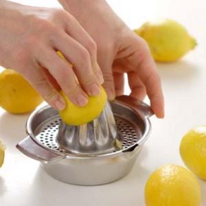 Выдавливание лимонного сока