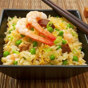 Рис с чесноком и креветками