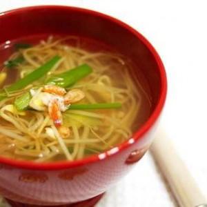 Суп с ростками сои