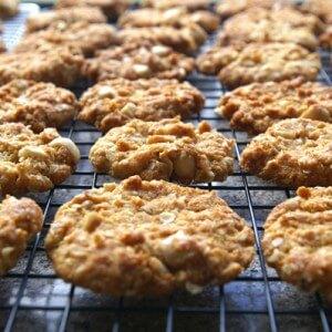 Яблочное печенье с орехами