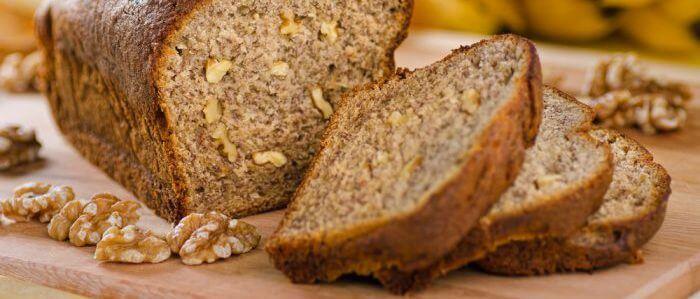 Банановый хлеб без муки и сахара