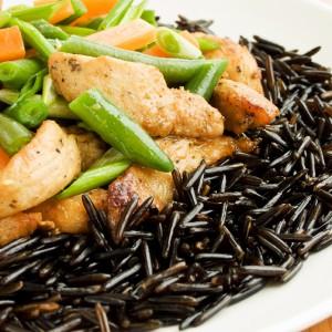 Блюдо с диким рисом