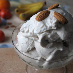 Десерт с кокосовыми сливками