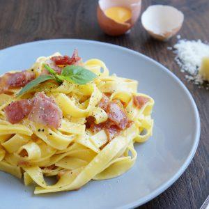 Блюдо с итальянским соусом