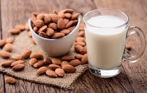 Молоко из грецких орехов