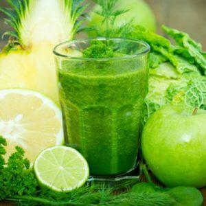 Смузи из зеленых фруктов и овощей