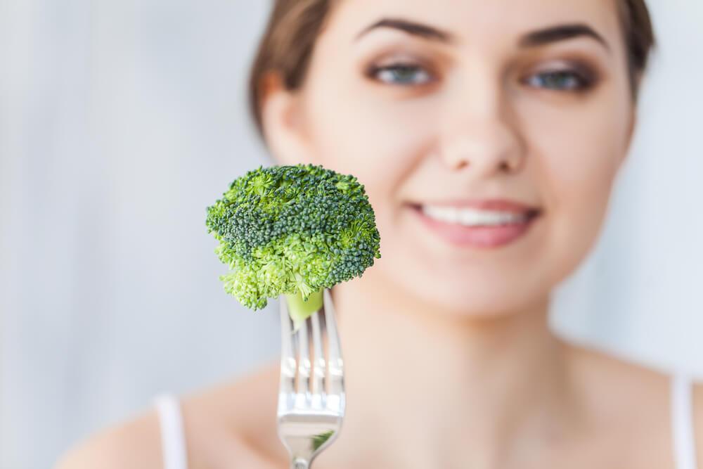 Питаться только брокколи с пн по сб