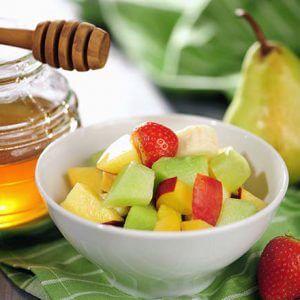 Салат из свежих фруктов с медом