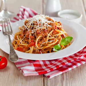 Итальянские спагетти с соусом Долмио болоньезе