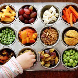 Перекус из овощей, фруктов и орехов