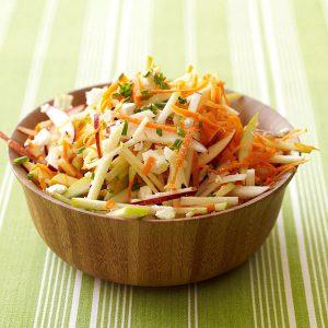 Салат из моркови с яблоком