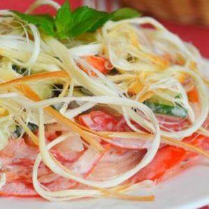 Салат с сыром косичкой