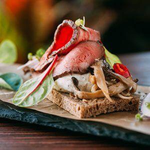 Бутерброд с жареной рыбой
