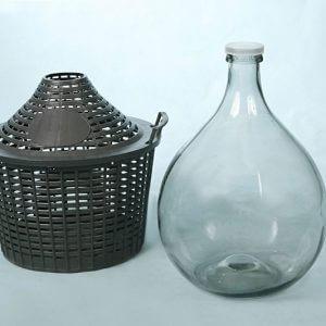 Стеклянный бутыль