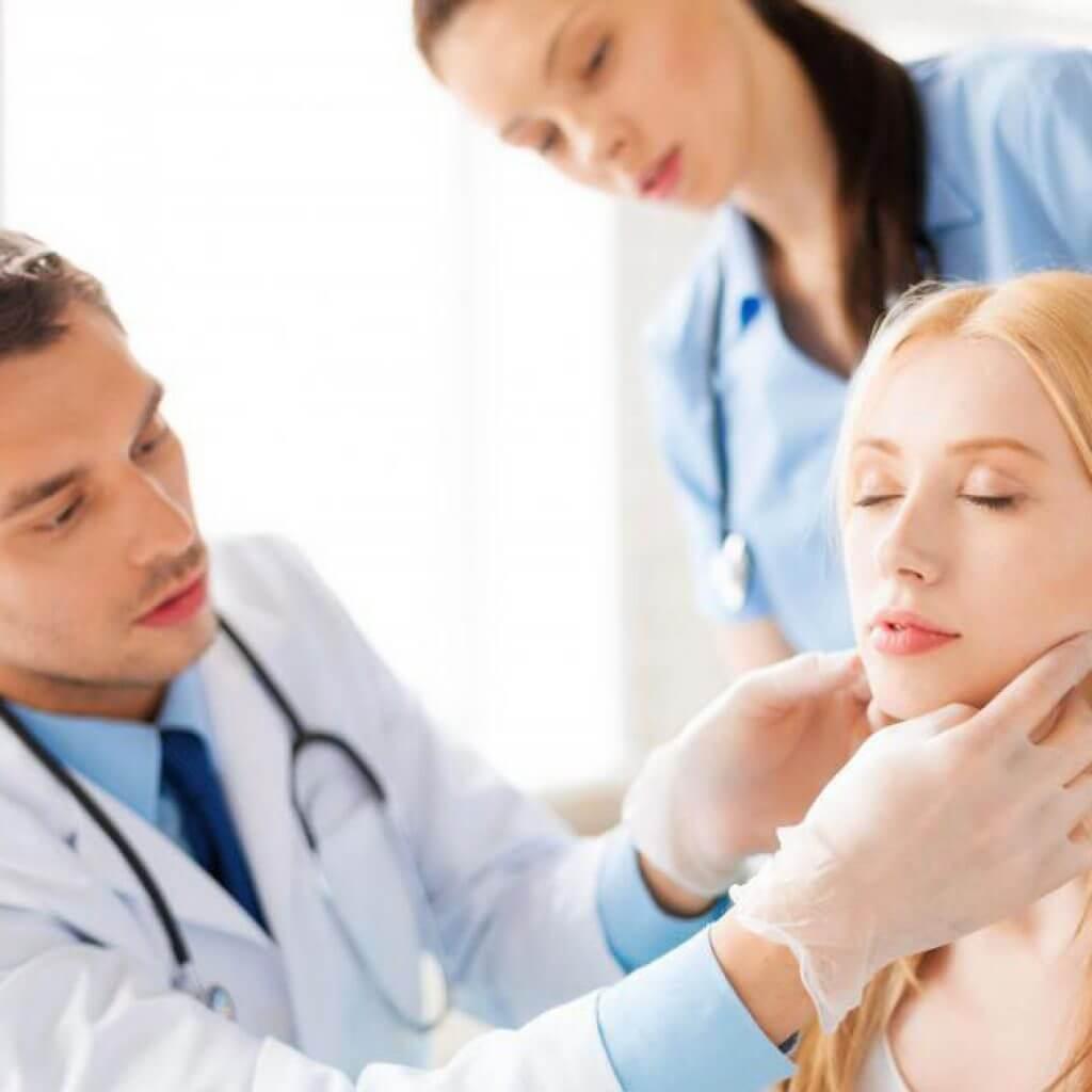 С какими вопросами обращаются к эндокринологу