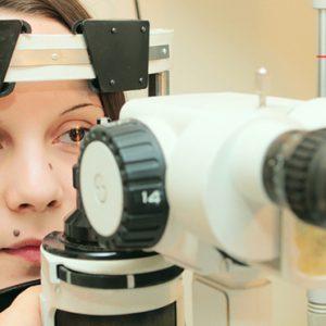 Проведение гониоскопии