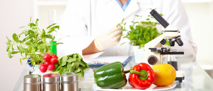 Названы овощи и фрукты с самым большим содержанием пестицидов