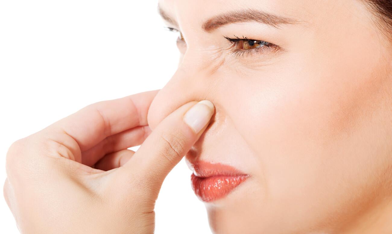 Неприятный запах мочи – почему он возникает