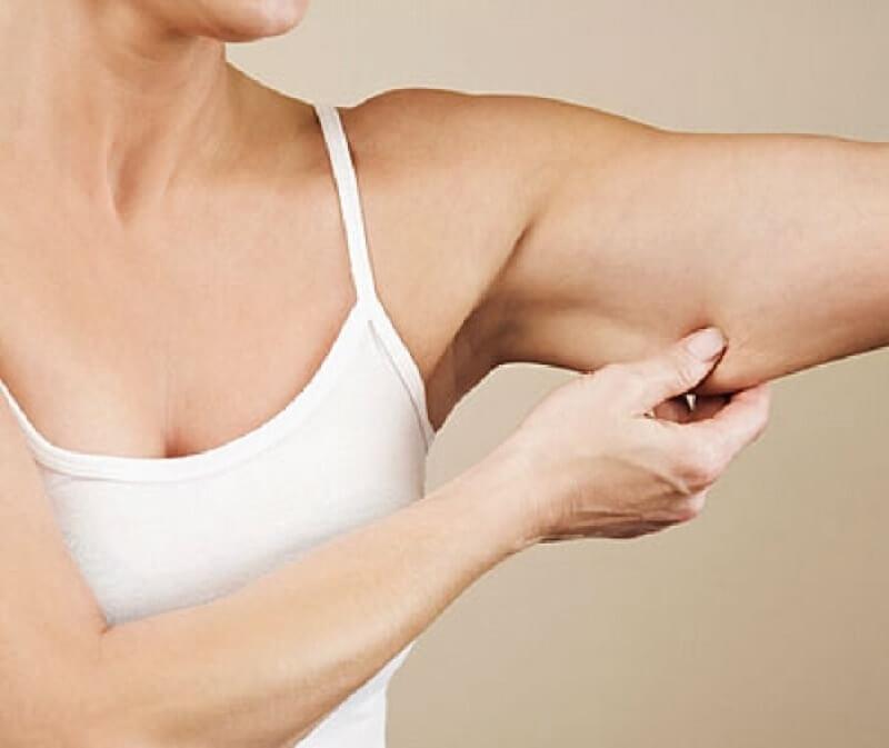 Полные руки в области плеча женщин причины