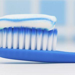 Применение зубной пасты