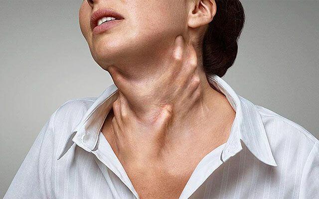 Приступ удушья с затрудненным выдохом. Приступы удушья в области шеи и горла. Какие причины могут вызывать данный симптом