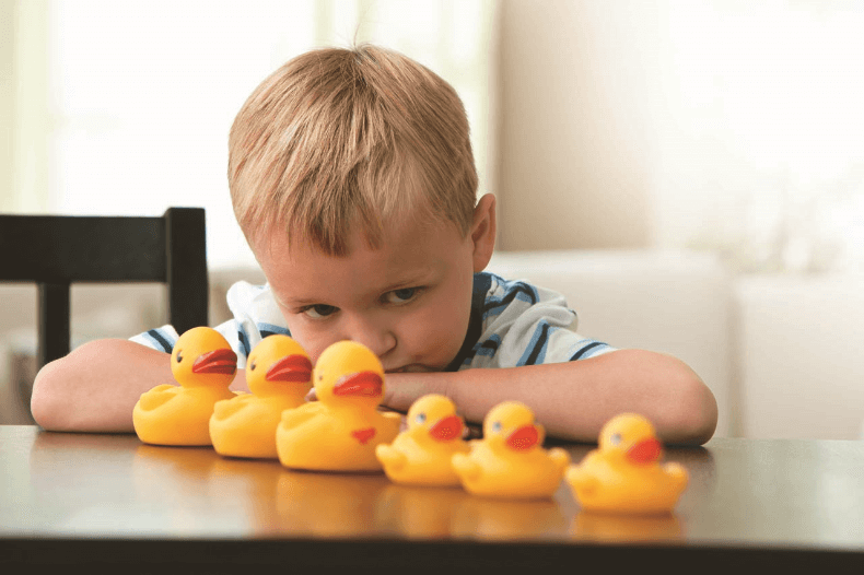Ребенок аутист признаки