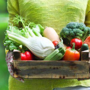 Специалисты сообщили, чем опасны фрукты и овощи весной