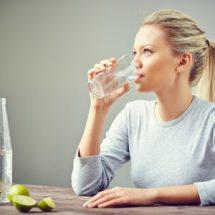 Как приучить себя пить больше воды