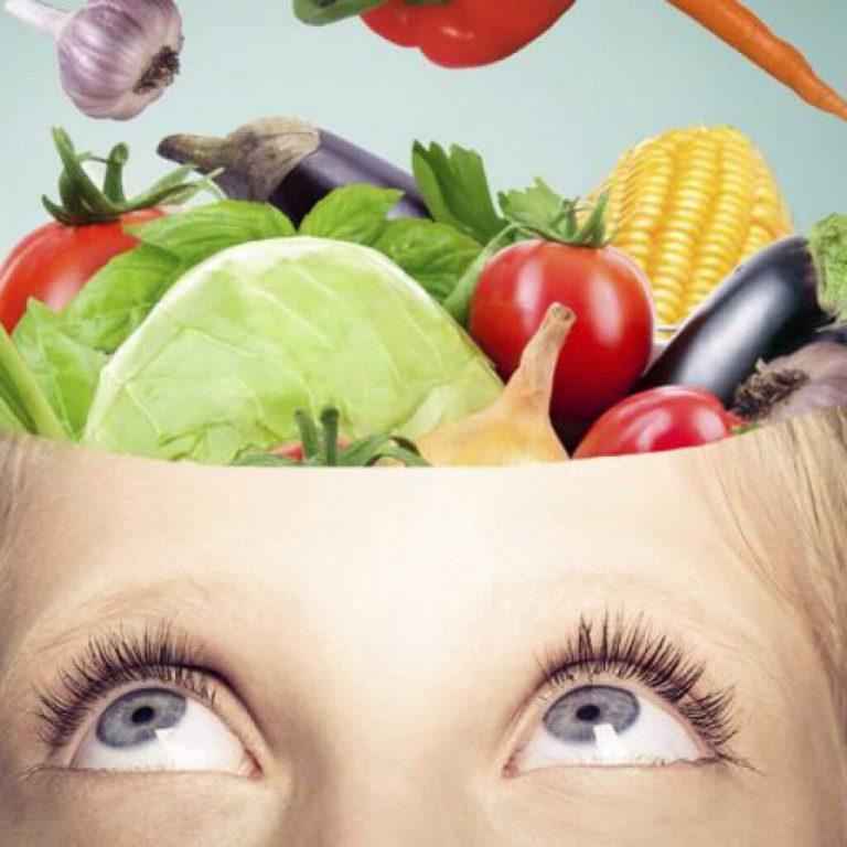 Какие продукты питания благоприятно воздействуют на мозг человека – мнение невролога