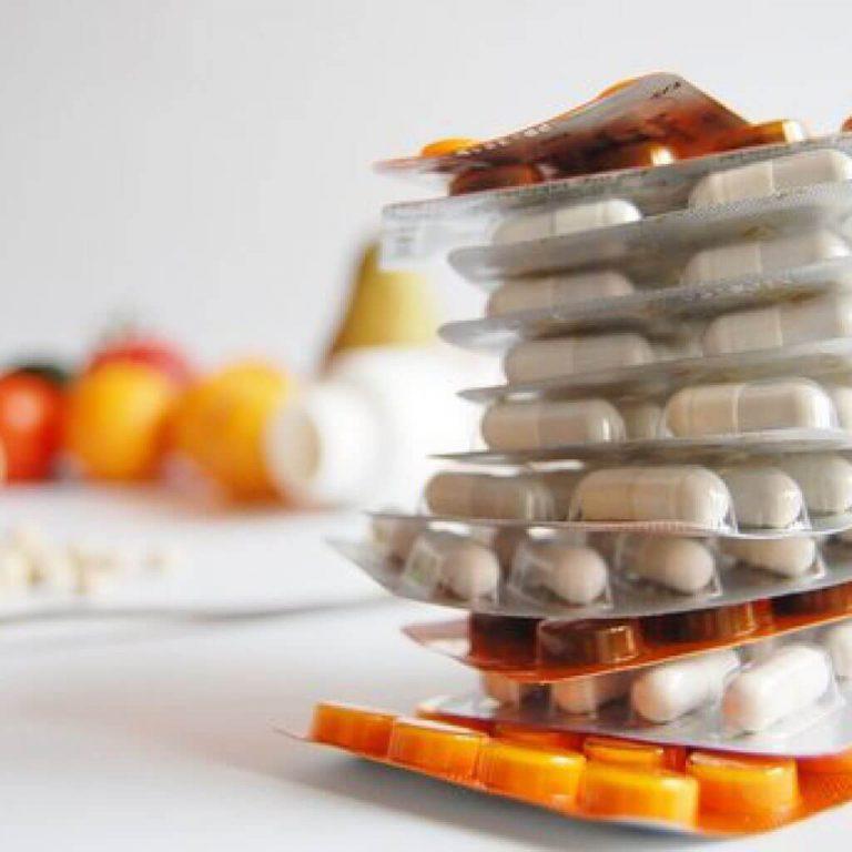 Медики предупредили о передозировке витаминами
