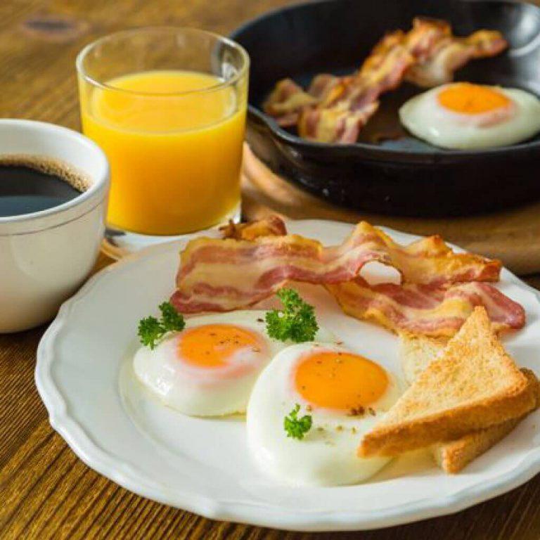 Названы типичные заблуждения о здоровом завтраке