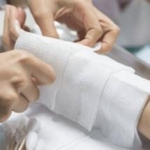 Ученые разработали «живые» бинты для лечения ожогов